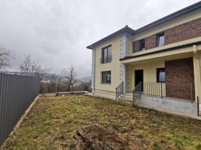 Casa duplex cu panorama in Grigorescu.