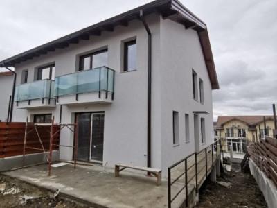 Duplex spatios pe o strada privata in Buna Ziua.
