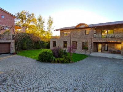 O casa individuala deosebita situata in Faget.