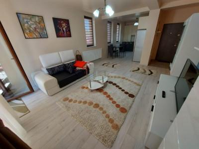 Apartament 4 camere, living, terasa 40 mp, zona Calea Turzii.