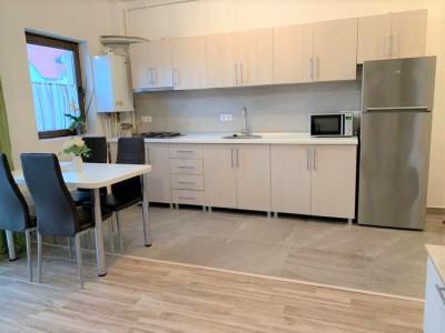 Apartament 2 camere, garaj, zona str. Mircea Eliade.
