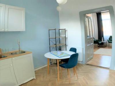 Apartament semicentral, luxos, 2 camere, 42 mp.