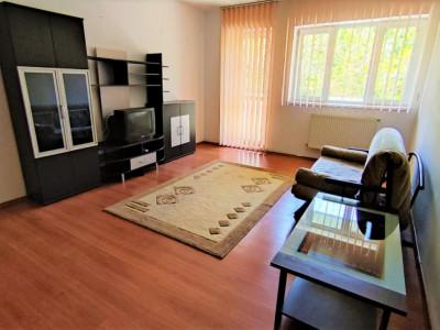 Apartament 2 camere, decomandat, cu parcare in curte, zona Iulius Mall