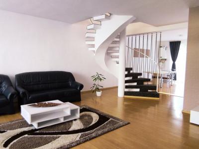 Duplex 4 camere, 160 mp, cu curte, str. Eugen Ionesco