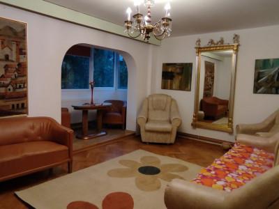 Apartament 3 camere, 80mp, str. Louis Pasteur