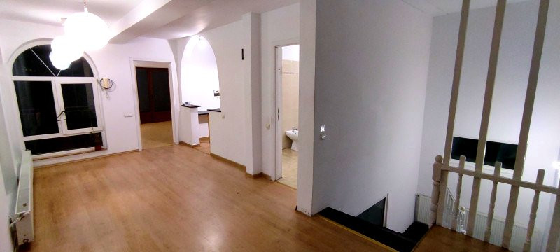 Casa individuala, 4 camere, 180mp, ideala birou, Plopilor