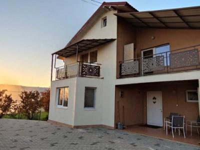 Casa individuala 120mp, 3 camere, curte cu acces auto, zona str. Oasului